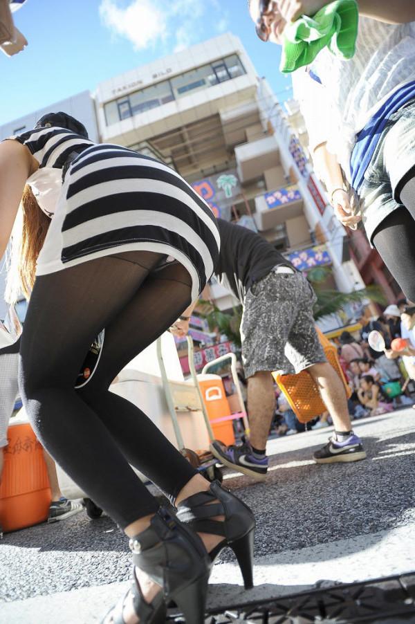 お姉さんの街撮りエロ画像02