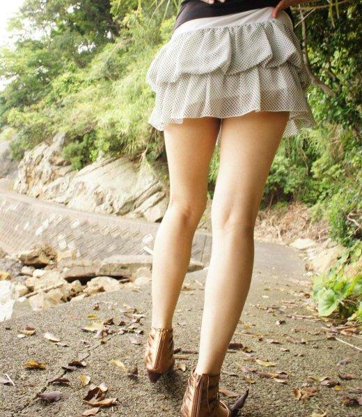 美脚しかも生足のエロ画像10