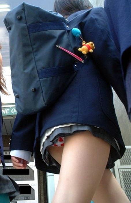 ミニスカ女子校生エロ画像09