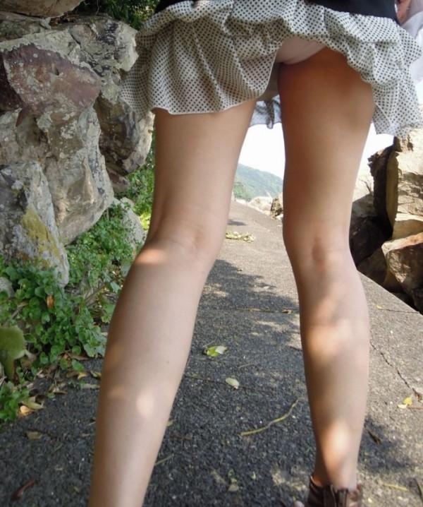 街撮り美脚エロ画像09
