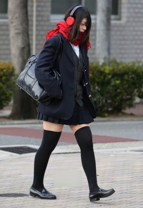 ニーソックスの女子校生のエロ画像19