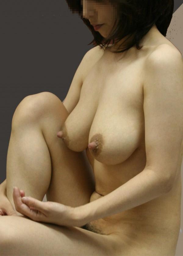 長い乳首のエロ画像11
