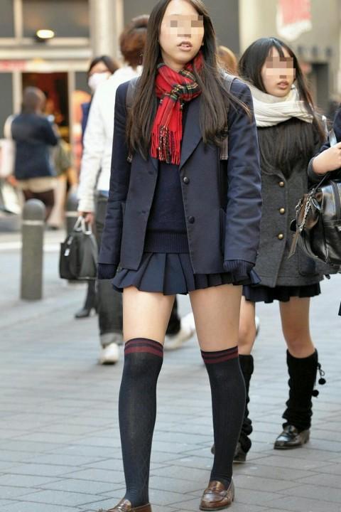 ニーソックスの女子校生のエロ画像18