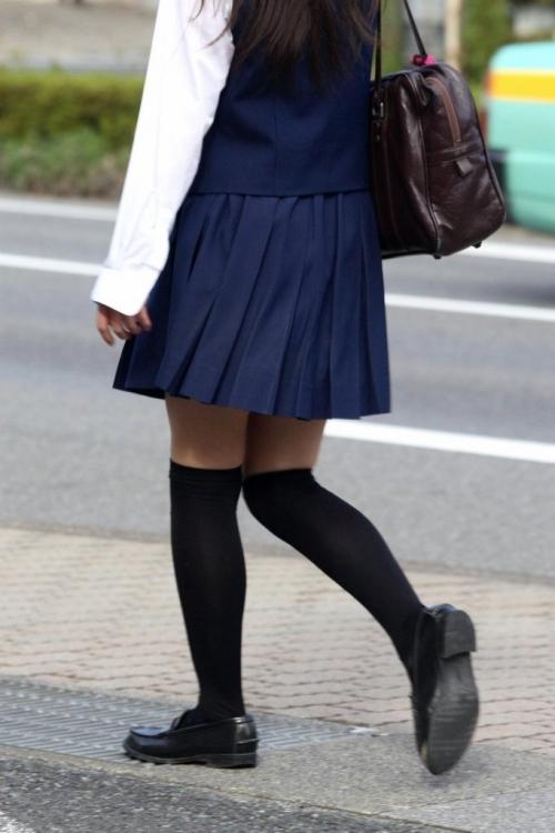 ニーソックスの女子校生のエロ画像05