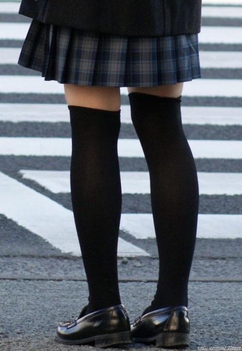 ニーソックスの女子校生のエロ画像04
