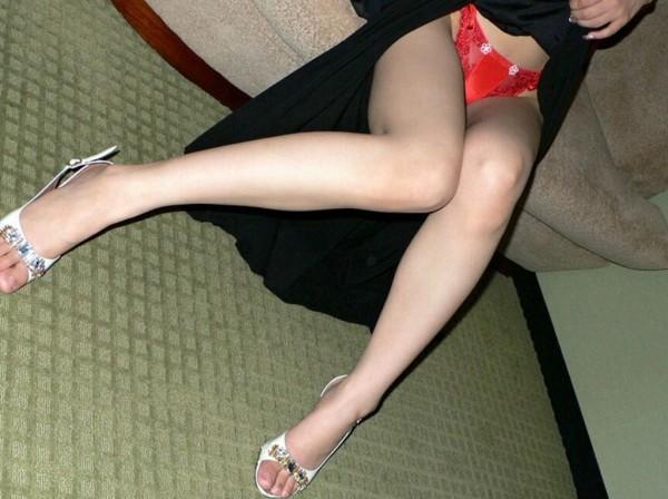 素脚がたまらないエロ画像02