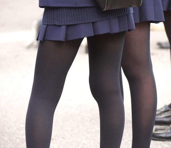 ムチムチした女子校生街撮りエロ画像12