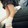 女子校生のパンチラ街撮りエロ画像000
