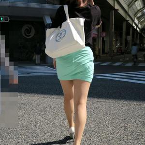 (ミニスカえろ写真)ミニスカのオネエさんのパンツが見えたらラッキーと思うあの感情をもう一度☆☆☆