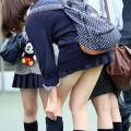 女子校生たちの街撮りエロ画像000