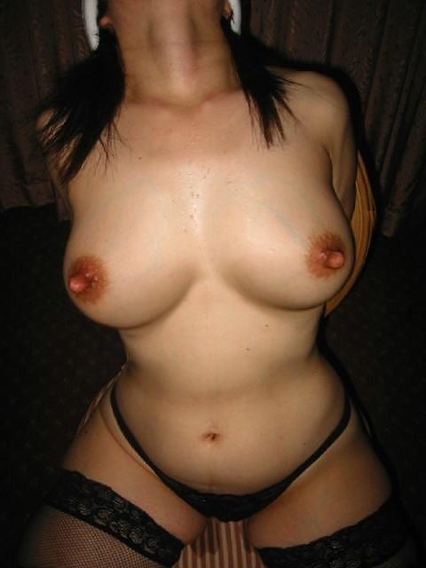 長い乳首のエロ画像16