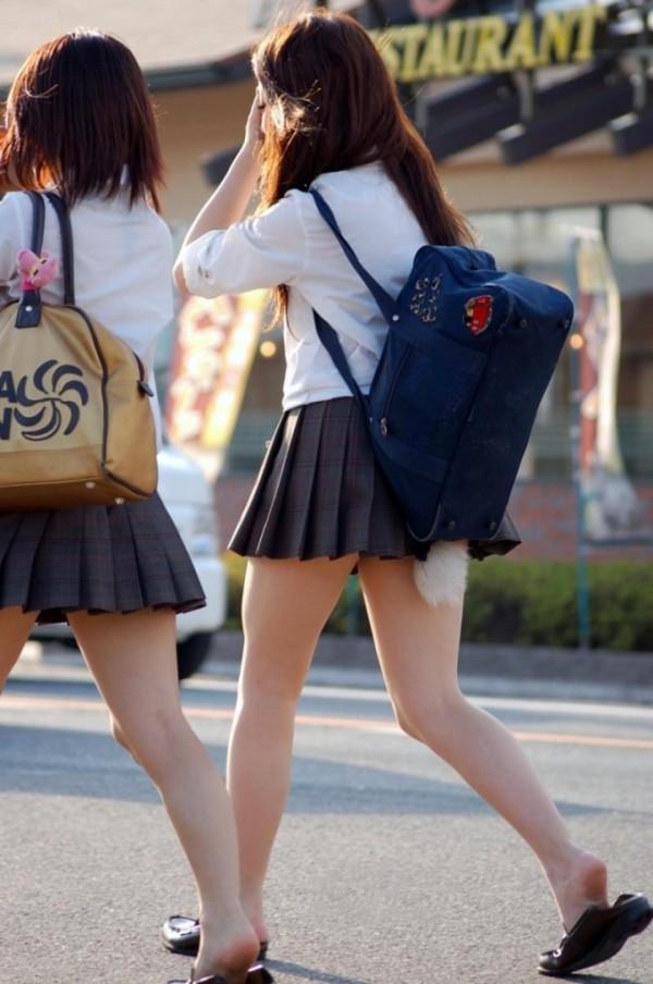 ムチムチした女子校生街撮りエロ画像10