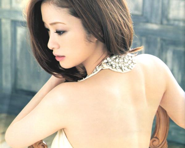 フェロモン漂う美女のうなじのエロ画像10