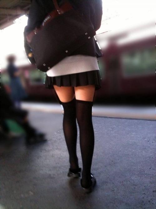 ニーソックスの女子校生のエロ画像10