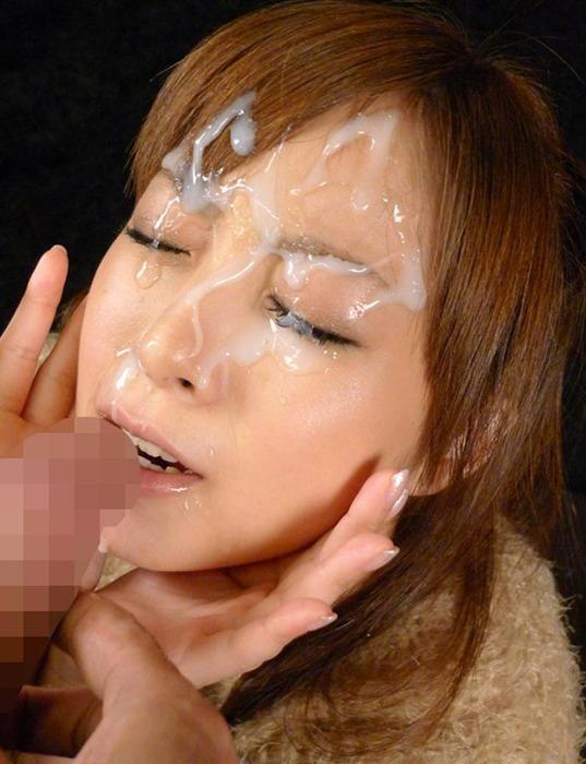 ぶっかけられている顔面射精エロ画像07