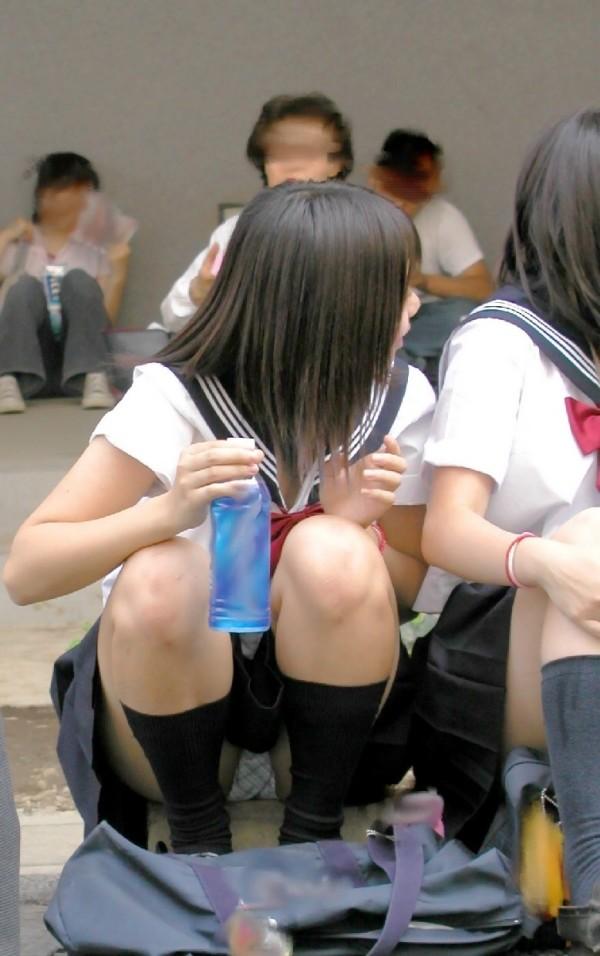 ミニスカ女子校生エロ画像03