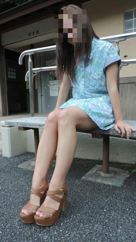 お姉さんの美脚エロ画像08