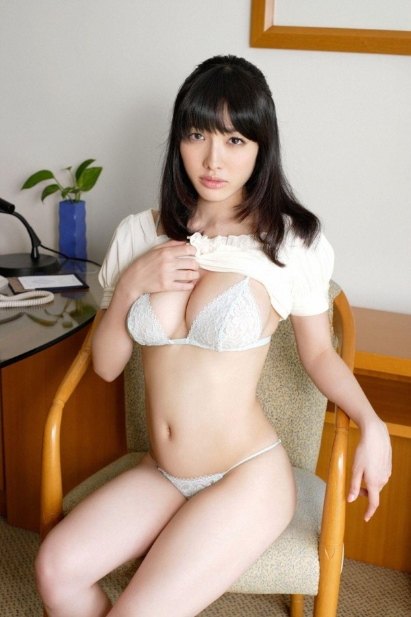 人気急上昇中の今野杏南ちゃんのエロ画像14