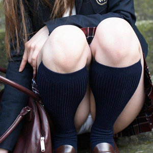 (JKパンツ丸見ええろ写真) ミニスカート履いてる10代小娘がいたらパンツ丸見えチャンス☆☆☆