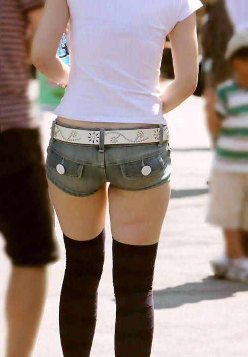 ニーソックス履いた可愛い女の子たちのエロ画像03