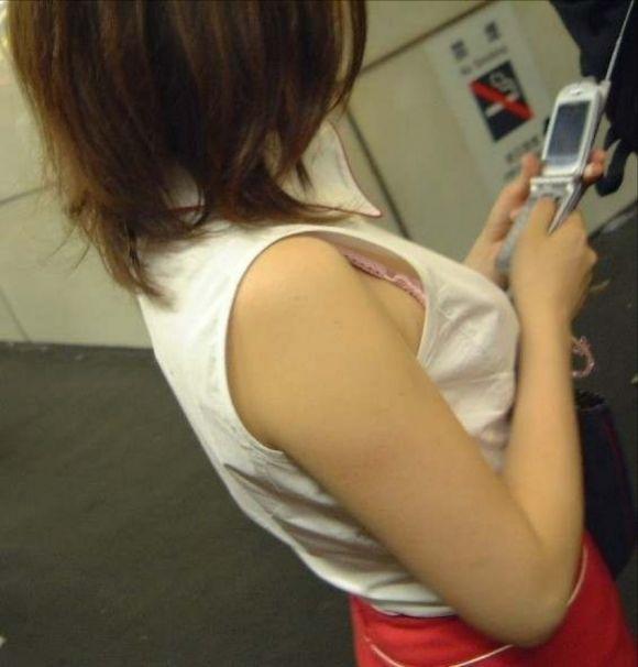 お姉さんの下着姿が悩ましい街撮りエロ画像09