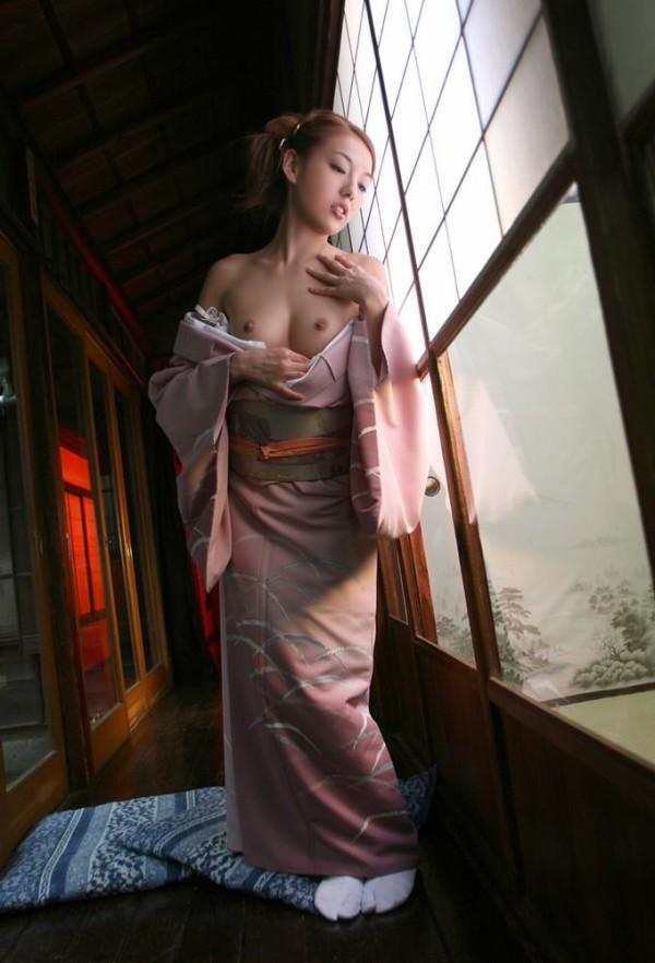着物や和服でコスプレしてるエロ画像19
