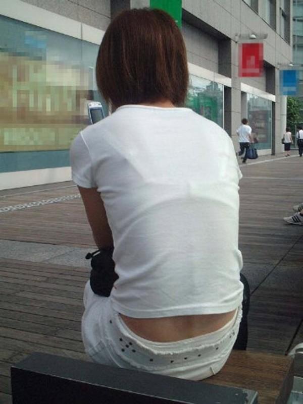お姉さんの下着姿が悩ましい街撮りエロ画像04