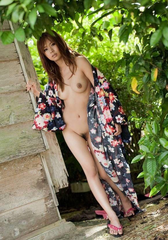 着物とか着てる純日本人って感じのエロ画像20