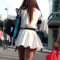 生脚のお姉さんがいる街撮りエロ画像000