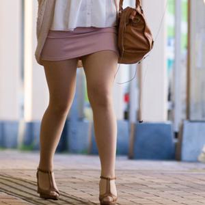 (美足えろ写真)細身なモデル女性の細くて長い美足にそそられる☆☆☆