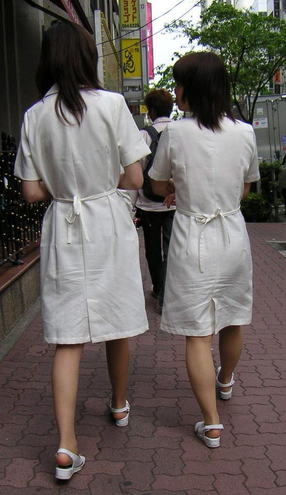 お姉さんの下着姿が悩ましい街撮りエロ画像16