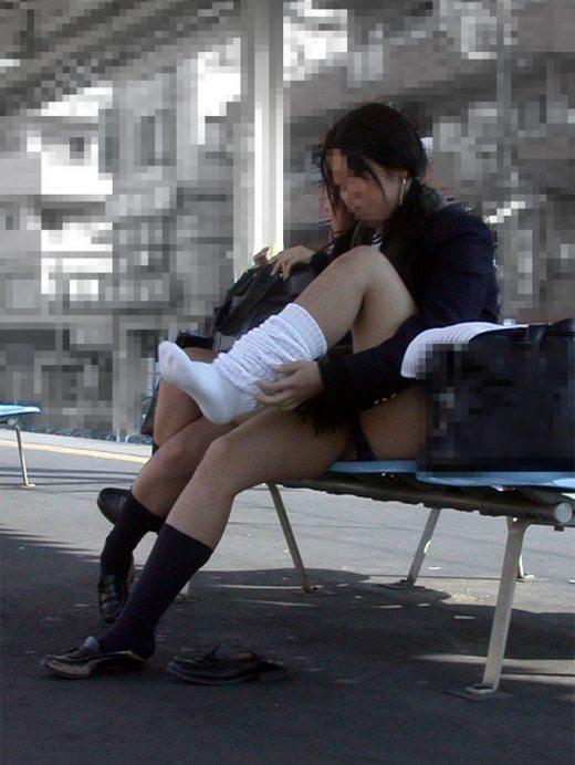 魅力がたっぷり詰まった盗撮と流出のJK街撮りエロ画像13