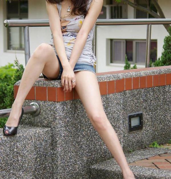 女性の脚フェチ専用エロ画像09
