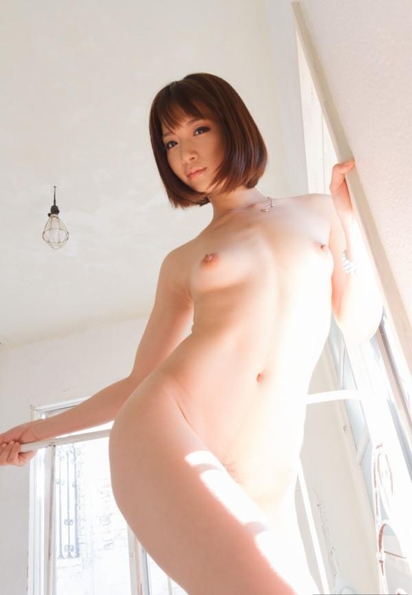 裸がイヤらしく見えるエロ画像11