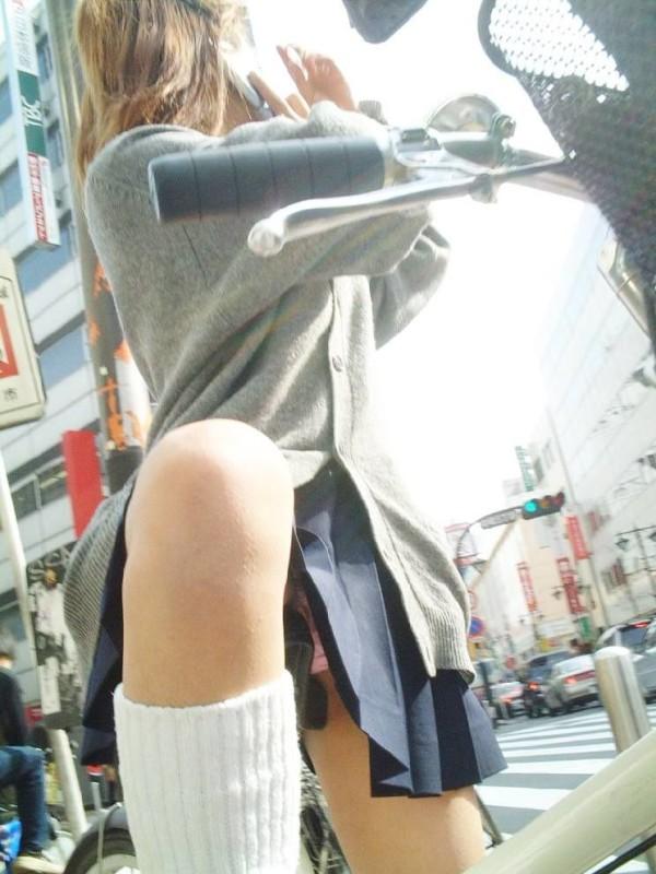 エロで溢れているJK街撮りエロ画像15