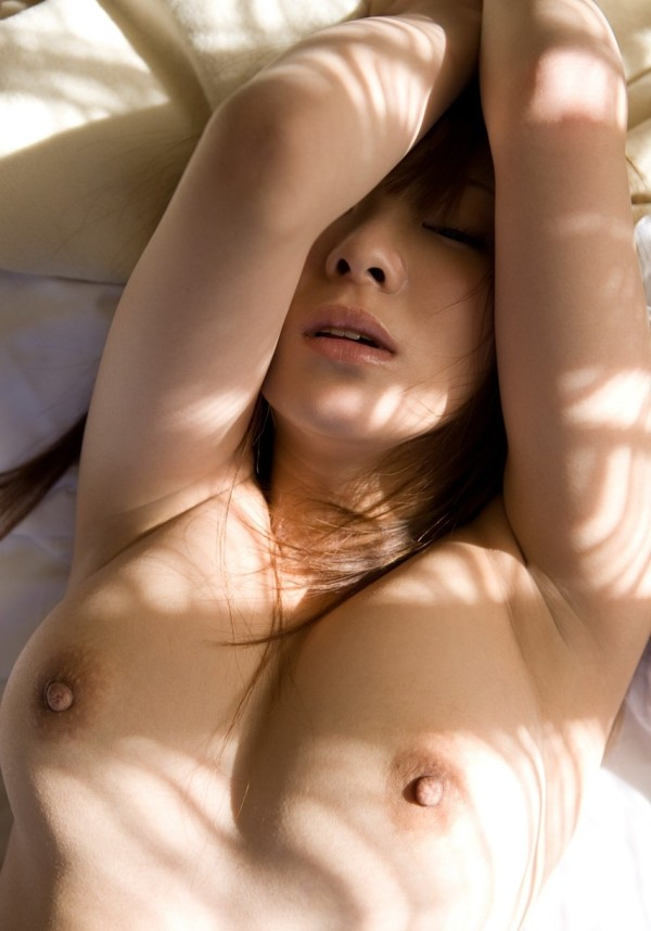 女性のワキに性的興奮するエロ画像04