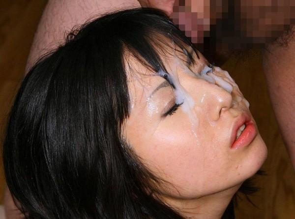 ぶっかける顔面射精エロ画像14