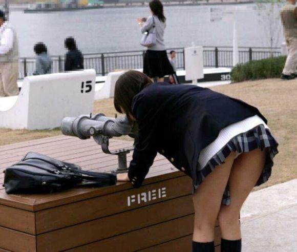 魅力がたっぷり詰まった盗撮と流出のJK街撮りエロ画像20