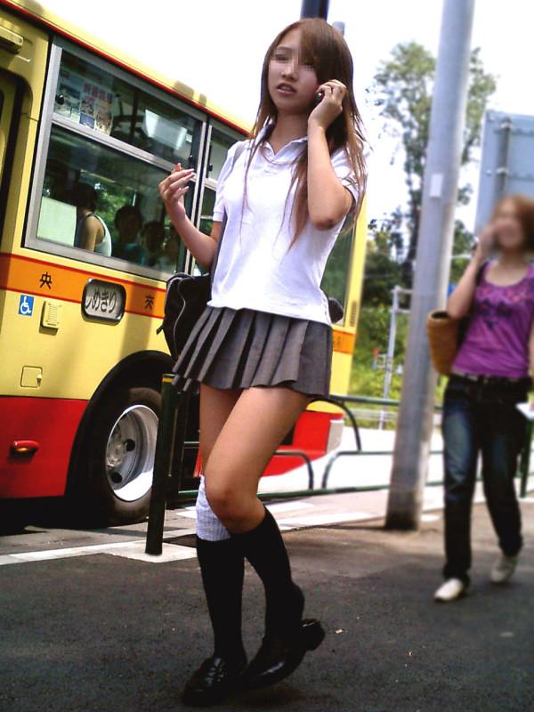 背徳感がたまらない街撮りエロ画像08