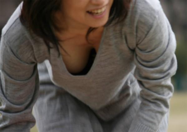 胸チラエロ画像6