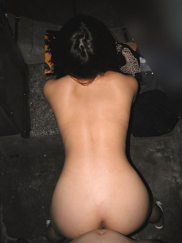 素人バックエロ画像19