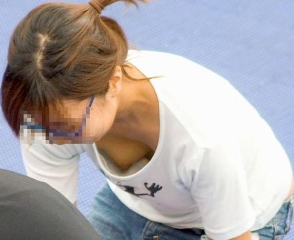胸チラエロ画像7