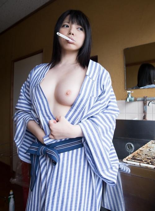 黒髪エロ画像12