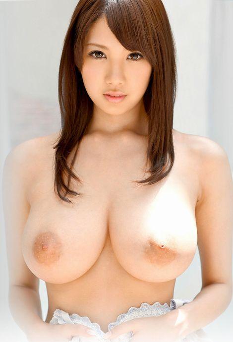 美人巨乳エロ画像2