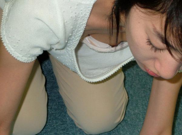 胸チラエロ画像10