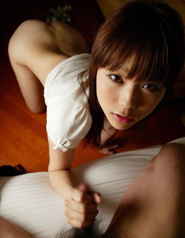 手コキ女子エロ画像3