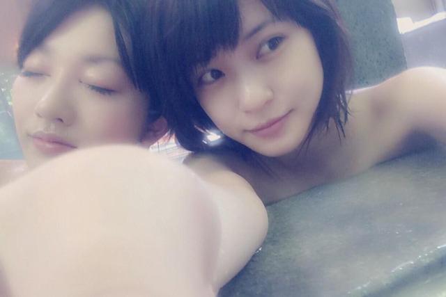 (シロウト えろ写真)入浴中に自撮りしちゃう女子たちの顔だしお乳をSNSで拾ったwwwwww
