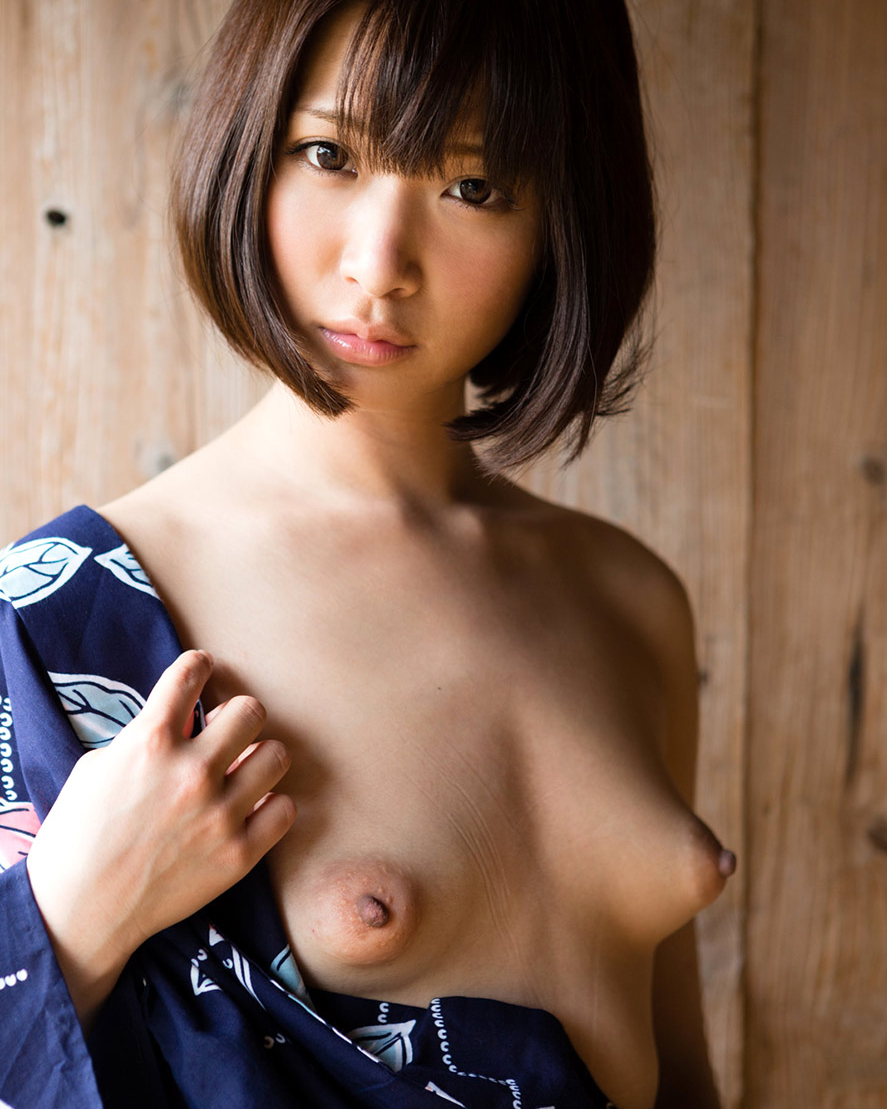 【おっぱいエロ画像】立体感のあるプックリとした乳輪のおっぱい画像を集めてみたww