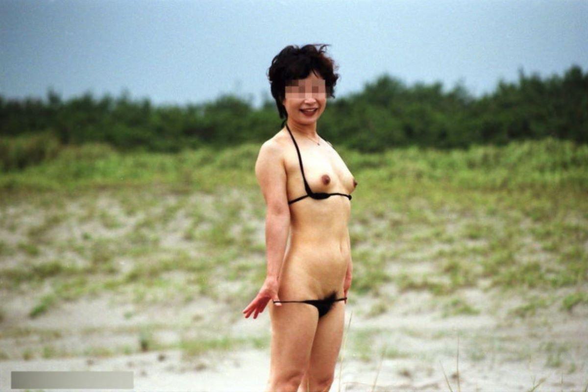 milf_micro_bikini-3692-018