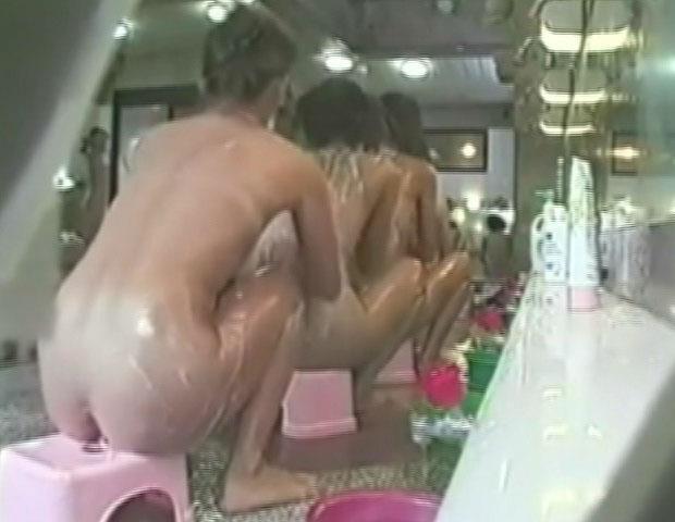 female_bath_3648_011